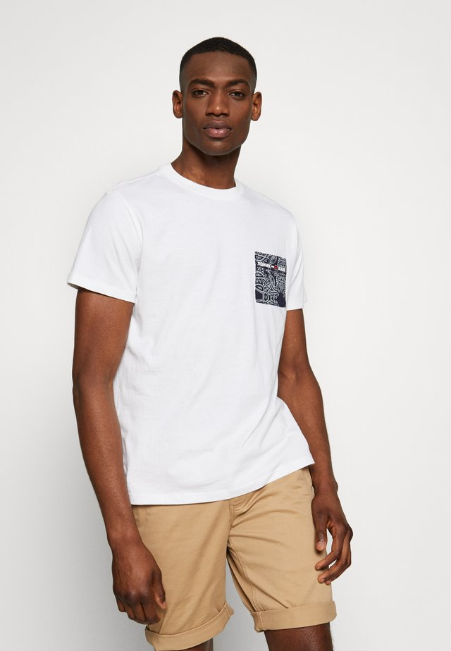 CONTRAST POCKET TEE - T-shirt con stampa - white