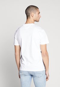 Tommy Jeans - COLORBLOCK TEE - Print T-shirt - white/multi - 2