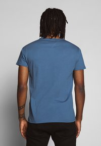 Tommy Jeans - ESSENTIAL SOLID TEE - Basic T-shirt - audacious blue - 2