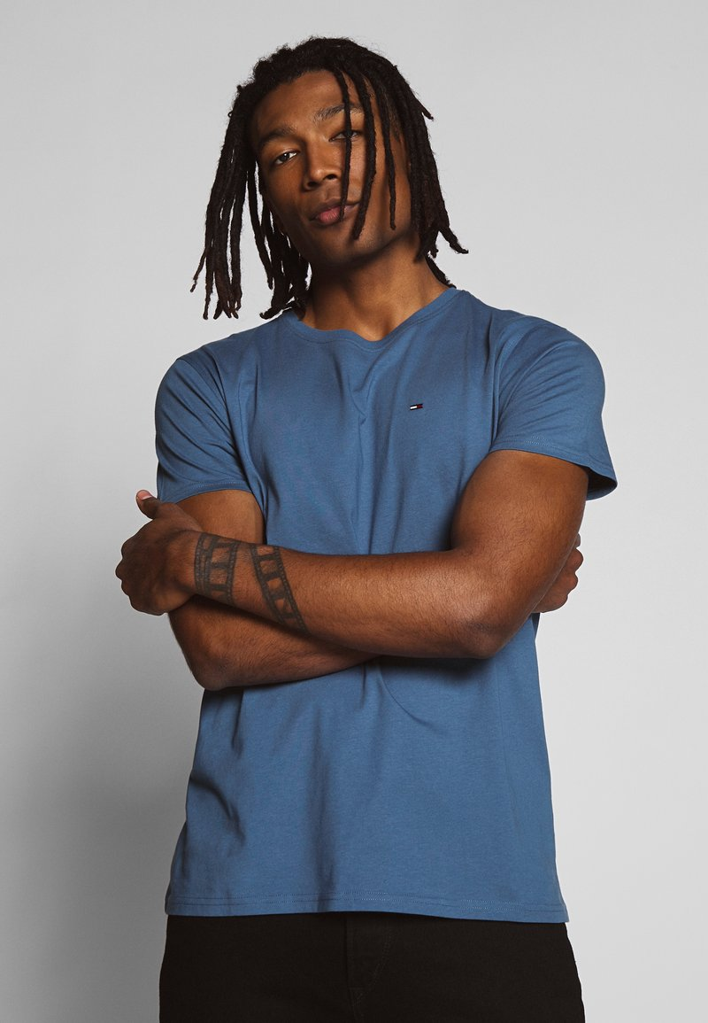 Tommy Jeans - ESSENTIAL SOLID TEE - Basic T-shirt - audacious blue