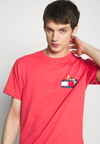 Tommy Jeans - LOONEY TUNES TEE  - T-shirt print - sunset rose - 3