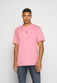Tommy Jeans - STRAIGHT LOGO TEE - Print T-shirt - rosey pink - 0