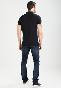 Tommy Jeans - ORIGINAL FINE SLIM FIT - Poloskjorter - tommy black - 2