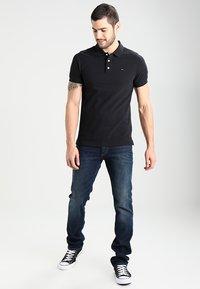 Tommy Jeans - ORIGINAL FINE SLIM FIT - Poloskjorter - tommy black - 1
