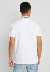 Tommy Jeans - CLASSICS - Poloshirt - white - 2
