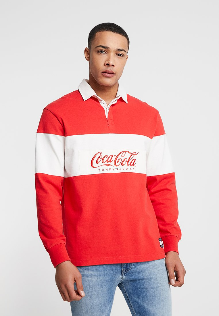 Tommy Jeans - TOMMY X COCA-COLA RUGBY - Polo shirt - red