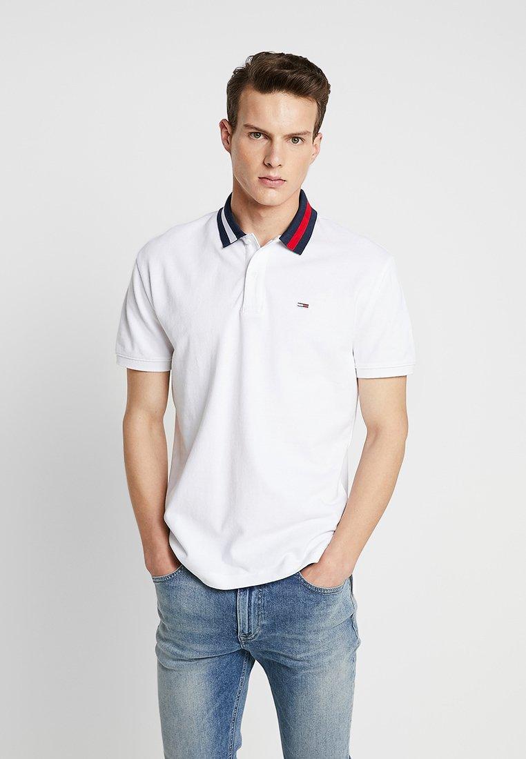 Tommy Jeans - FLAG NECK  - Piké - white