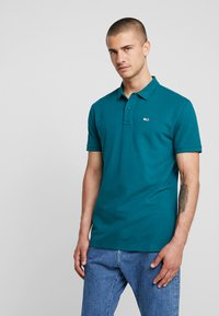 Tommy Jeans - CLASSICS SOLID - Polo shirt - atlantic deep - 0