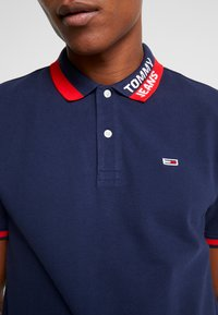 Tommy Jeans - BRANDED COLLAR - Polo shirt - black iris - 5
