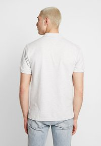 Tommy Jeans - BADGE  - Polo - pale grey - 2