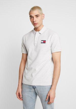 BADGE  - Polo shirt - pale grey