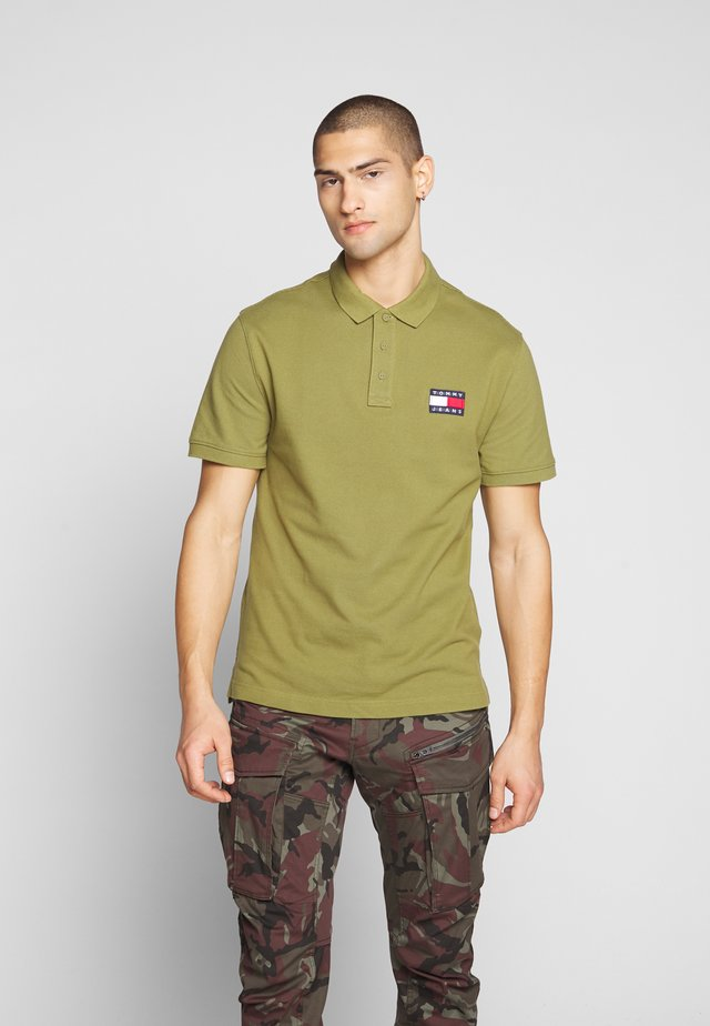 BADGE - Polo - uniform olive