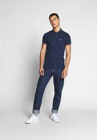 Tommy Jeans - DETAIL SLIM FIT - Koszulka polo - twilight navy - 1