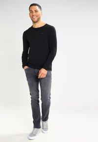 Tommy Jeans - ORIGINAL - Strikkegenser - tommy black - 1