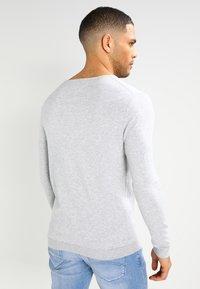 Tommy Jeans - ORIGINAL - Stickad tröja - light grey heather - 2