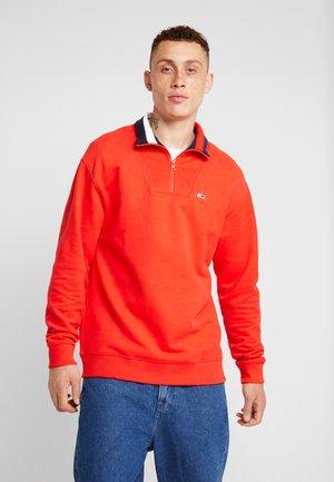 SOLID ZIP MOCK NECK - Sweater - red