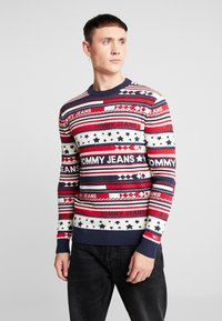 Tommy Jeans - AMERICANA STRIPE - Pullover - flame scarlet - 0