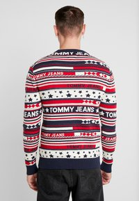 Tommy Jeans - AMERICANA STRIPE - Pullover - flame scarlet - 2