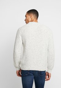 Tommy Jeans - FLAG - Svetr - pale grey heather - 2