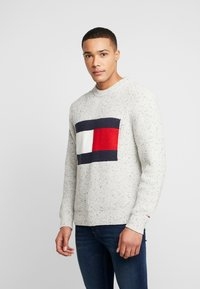 Tommy Jeans - FLAG - Svetr - pale grey heather - 0
