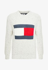 Tommy Jeans - FLAG - Svetr - pale grey heather - 4