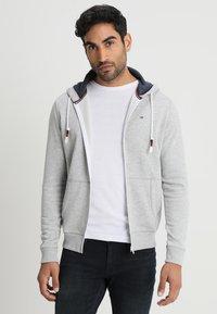 Tommy Jeans - ORIGINAL ZIPTHRU - veste en sweat zippée - mottled grey - 0