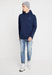 Tommy Jeans - CLASSICS HOODIE - Bluza z kapturem - blue - 1