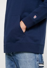 Tommy Jeans - CLASSICS HOODIE - Bluza z kapturem - blue - 5