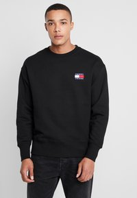 Tommy Jeans - BADGE CREW - Collegepaita - black - 0