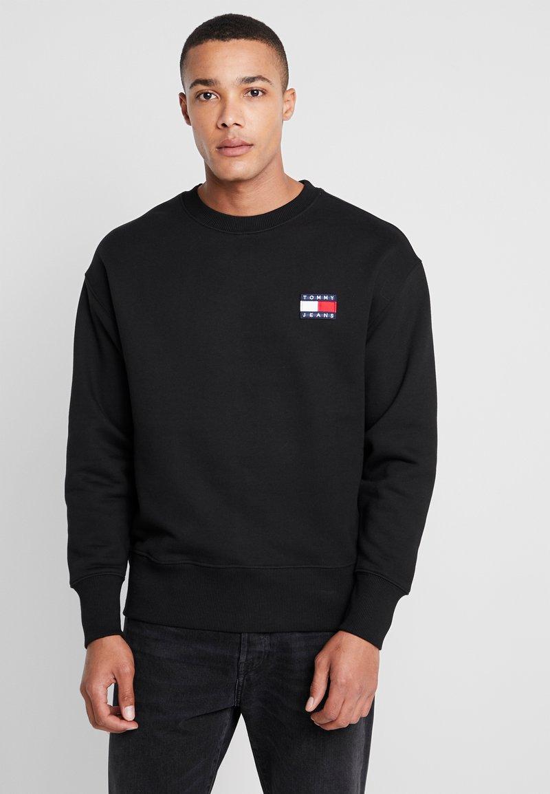 Tommy Jeans - BADGE CREW - Sweatshirts - black