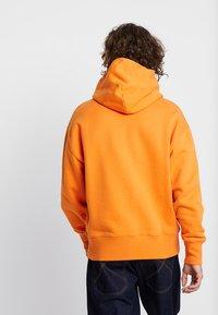 Tommy Jeans - BADGE HOODIE - Sweat à capuche - orange - 2