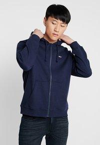 Tommy Jeans - CLASSICS ZIPTHRU - veste en sweat zippée - blue - 0
