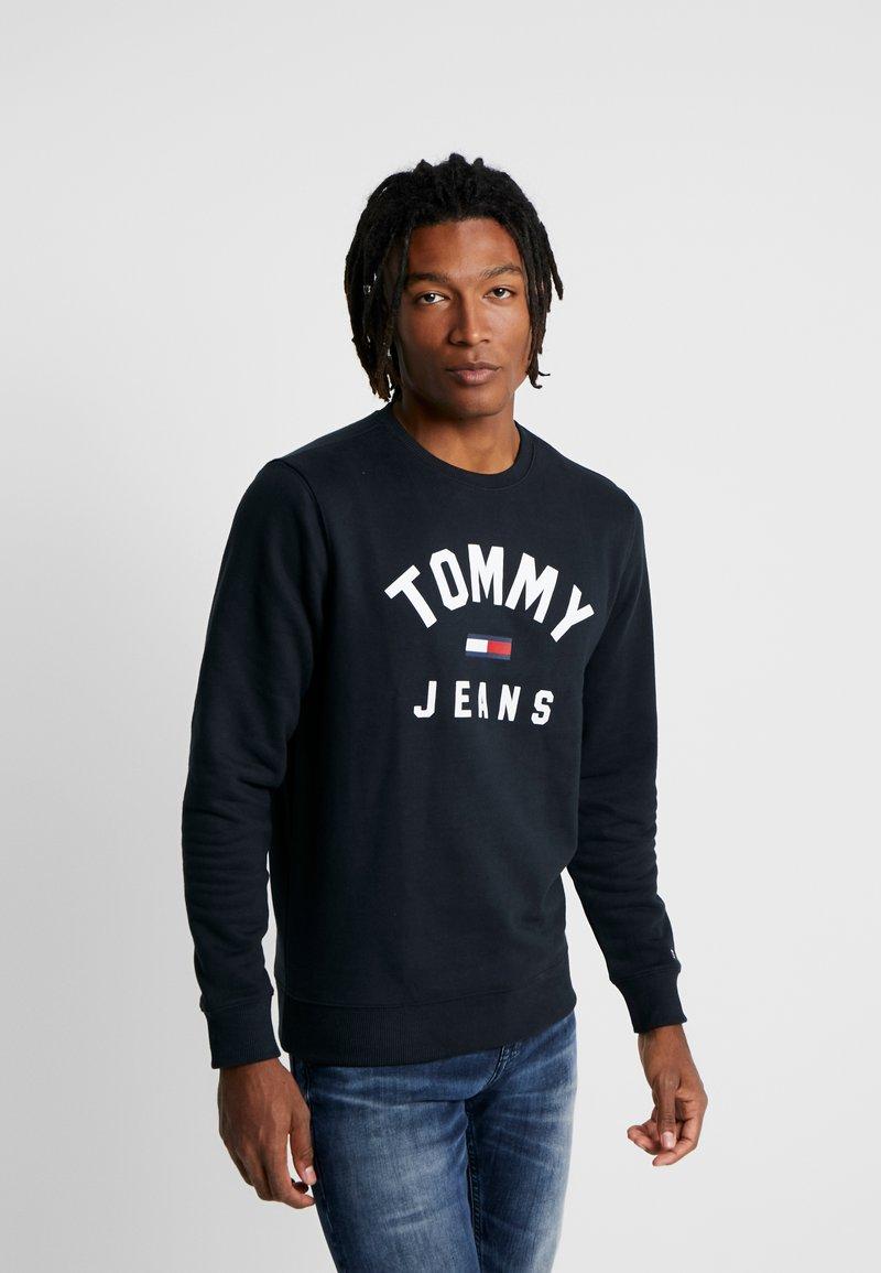 Tommy Jeans - ESSENTIAL FLAG CREW - Sweatshirt - black