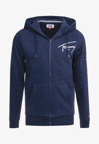 Tommy Jeans - SCRIPT ZIP THROUGH - veste en sweat zippée - black iris - 4