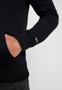 Tommy Jeans - STRAIGHT LOGO HOODIE - Huppari - tommy black - 6