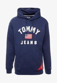 Tommy Jeans - AMERICANA HOODIE - Sweat à capuche - black iris - 4