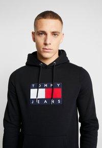 Tommy Jeans - FLAG HOODIE - Hoodie - black - 3