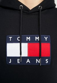 Tommy Jeans - FLAG HOODIE - Hoodie - black - 6