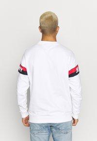 Tommy Jeans - BAND LOGO CREW - Sweatshirt - white - 2