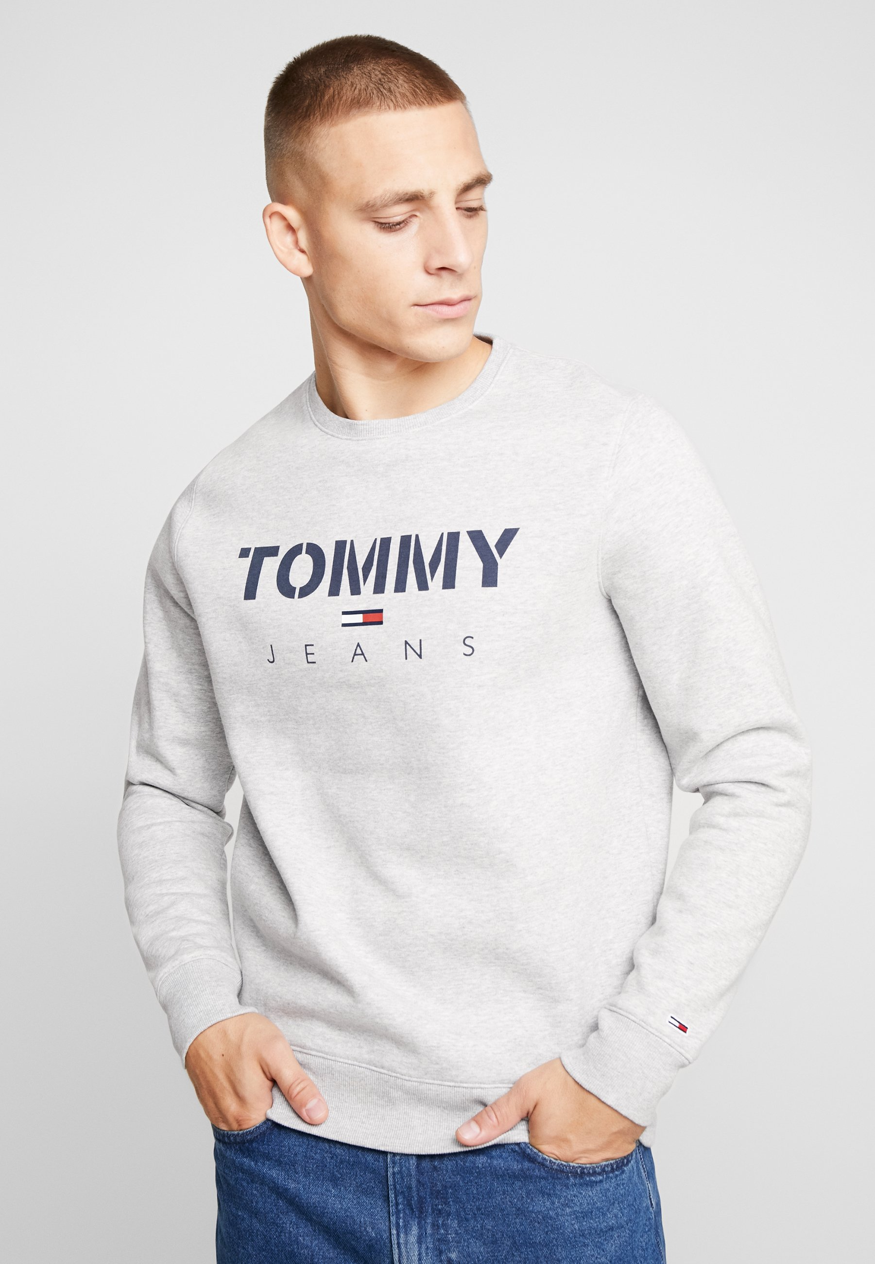 Tommy Jeans NOVEL LOGO CREW - Bluza - light grey heatherr