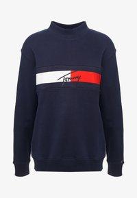 Tommy Jeans - FLAG PANEL - Sweatshirt - black iris - 3