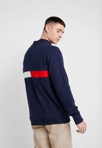 Tommy Jeans - FLAG PANEL - Sweatshirt - black iris - 2
