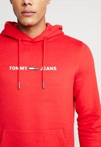 Tommy Jeans - STRAIGHT SMALL LOGO HOODIE - Hoodie - racing red - 5