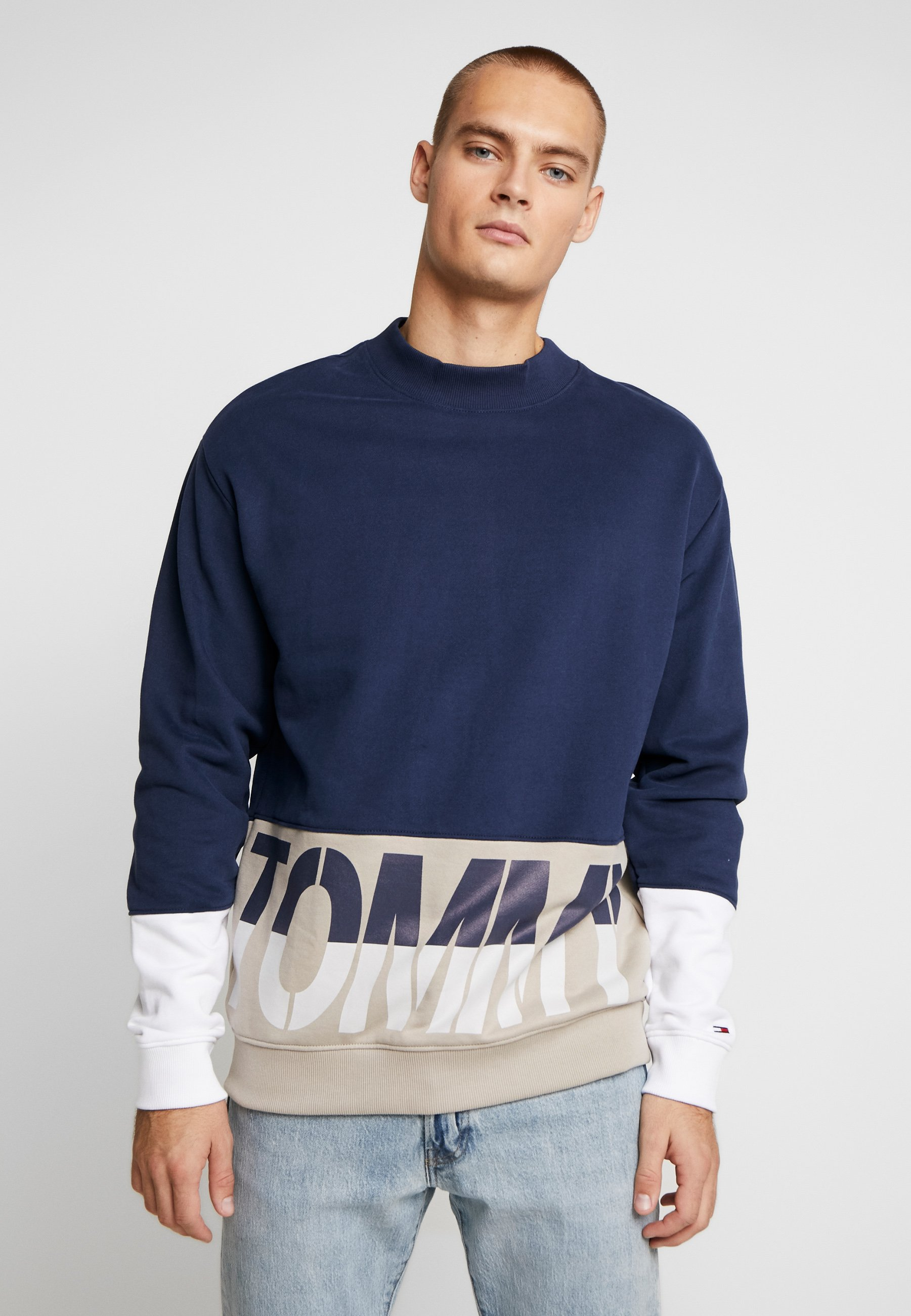 Tommy Jeans COLORBLOCK LOGO CREW - Bluza - twilight navy/multi
