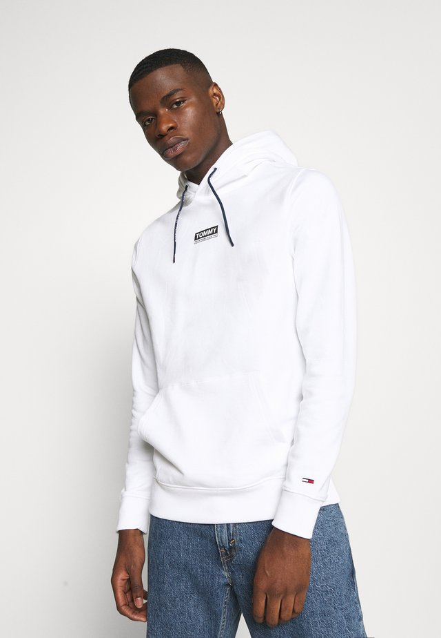 ESSENTIAL GRAPHIC HOODIE - Jersey con capucha - white