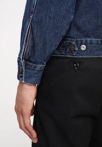 Tommy Jeans - OVERSIZED TRUCKER - Spijkerjas - denim - 5