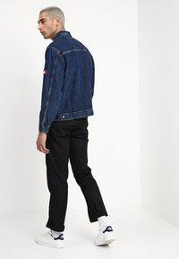 Tommy Jeans - OVERSIZED TRUCKER - Spijkerjas - denim - 2