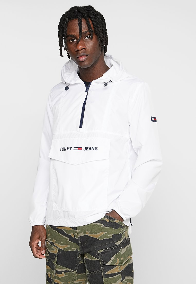 Tommy Jeans - SHELL SOLID POPOVER - Windbreaker - white