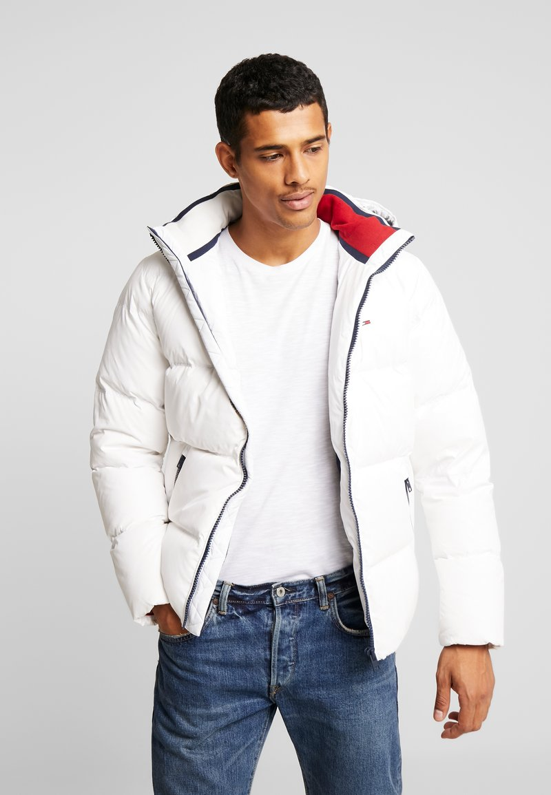 Tommy Jeans - ESSENTIAL JACKET - Daunenjacke - classic white