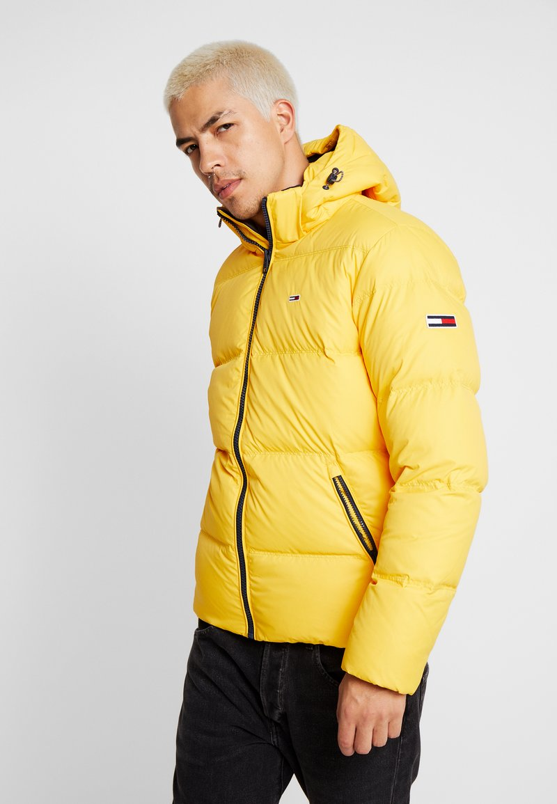 Tommy Jeans - ESSENTIAL JACKET - Down jacket - spectra yellow
